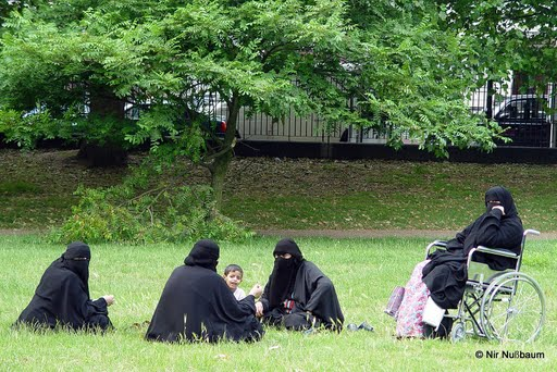 Freizügige Frauen