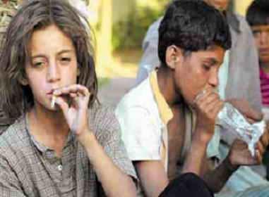 Rund 200.000 Straßenkinder leben derzeit in Kairo, Tendenz ...: http://koptisch.wordpress.com/2011/01/20/rund-200-000-strasenkinder-leben-derzeit-in-kairo-tendenz-steigend/