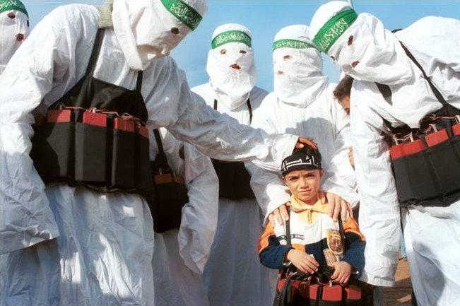 Vrasjet dhe masakrimet e femrave me ligjet islame Islam-kids1