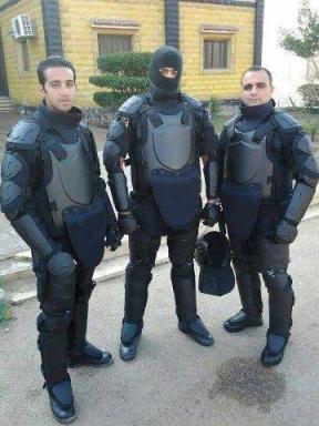 Ägyptische Polizei im neuen Outfit