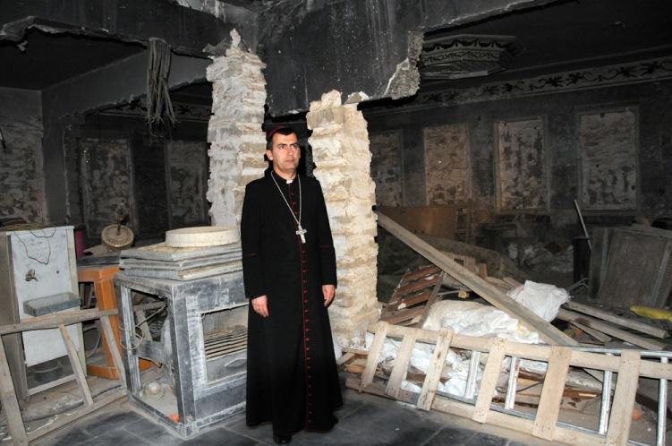 0 a 1 Erzbischof-Nona-c-kirche-in-not