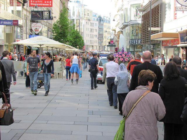 0 a 1 Prozession-Wien-Innenstadt-4.Mai2013-1