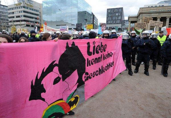 Demonstrationen zum grün-roten Bildungsplan 2015