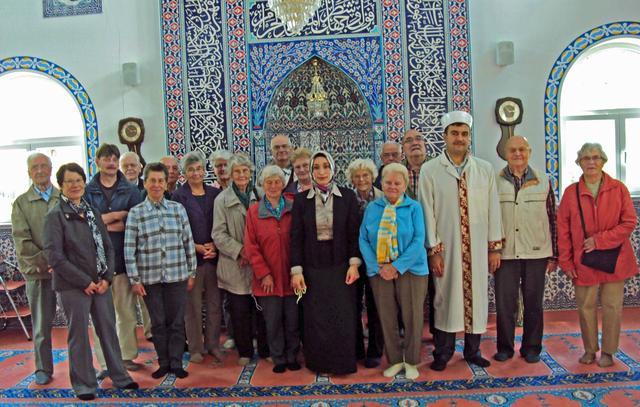 Rentner in Haslacher Moschee